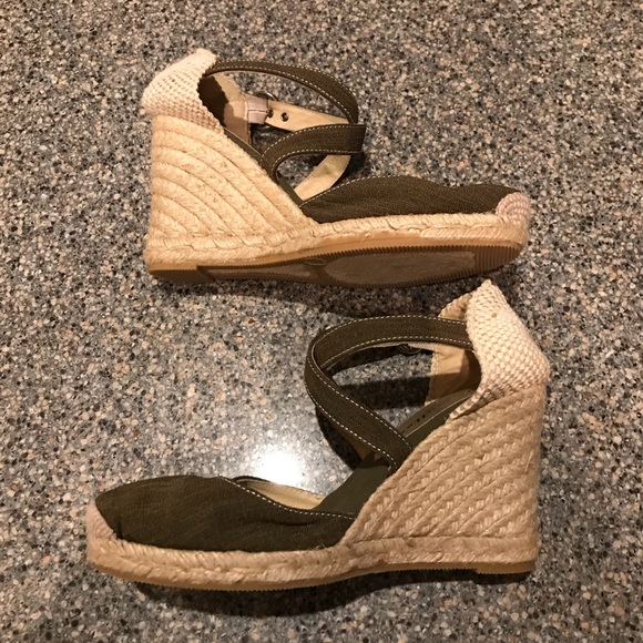 8b2174bca48 Anthropologie Shoes - Bettye Muller Katy Bis Espadrille wedge